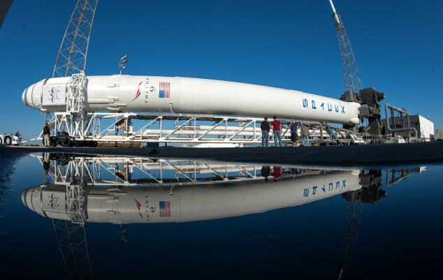 spacex-crs-2-falcon-9-rocket