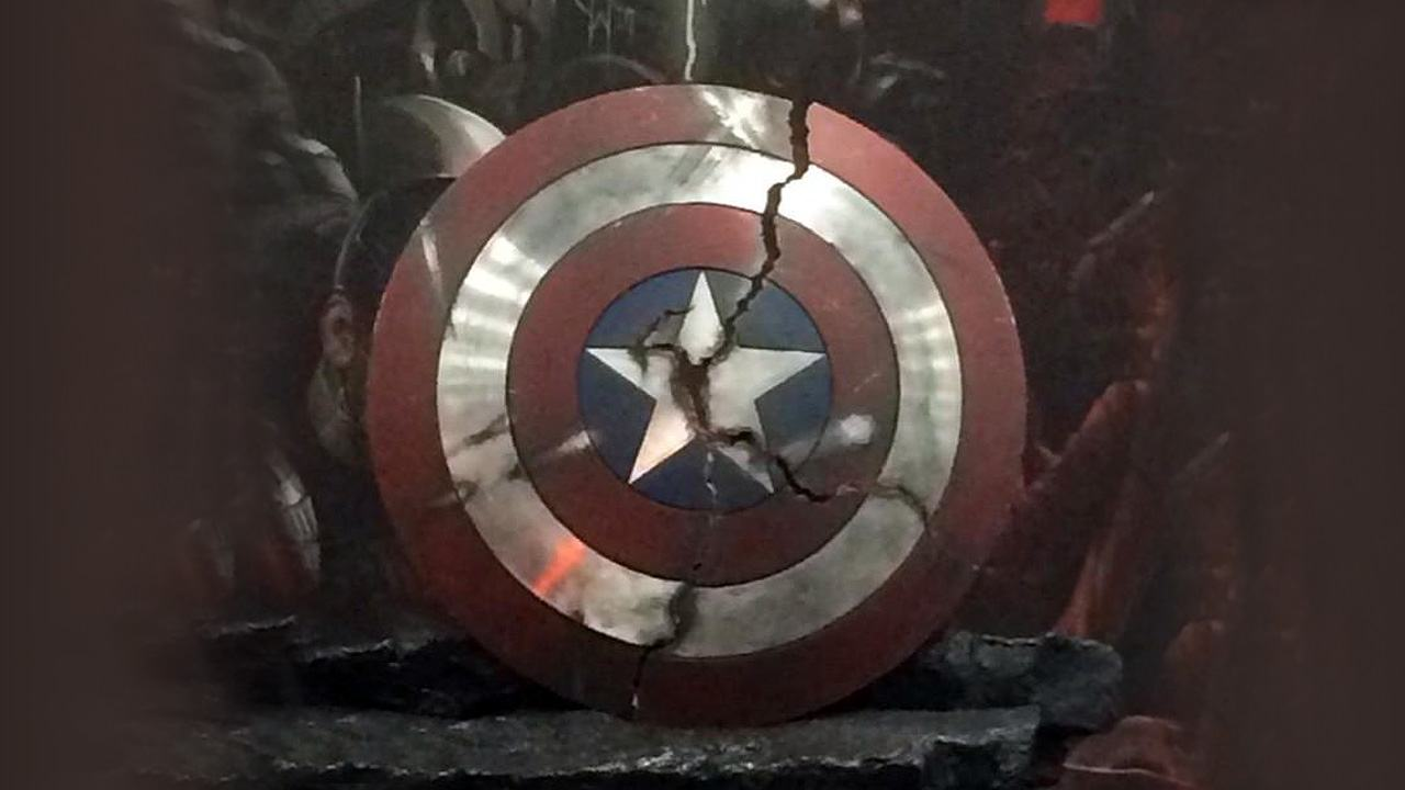 sdcc-2014-marvels-the-avengers-age-of-ultron-props_axfm.1920