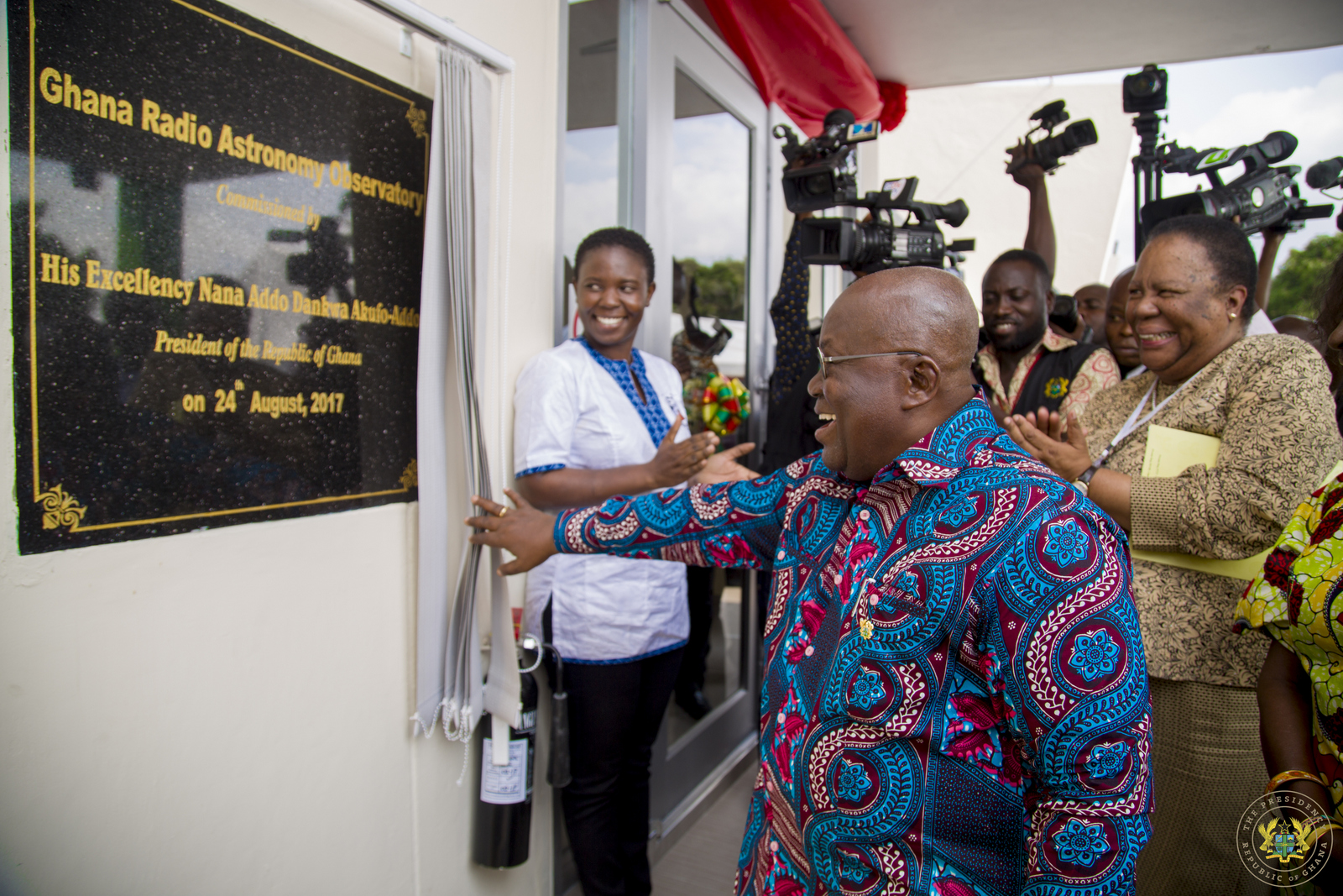 president-akufo-addo-unveiling-the-plaque-for-the-launch-of-the-ghana-radio-astronomy-observatory