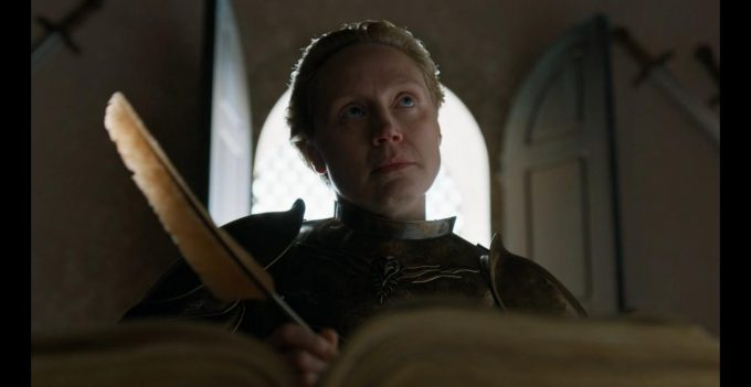 Brienne nova Lorde Comandante da Guarda Real em cena do episódio final de Game of Thrones