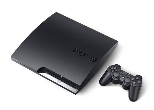 PlayStation 3 Slim com controladores.