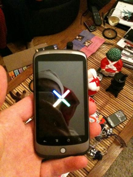 Eis o Google Phone, que deverá ser chamado de Nexus One. O clique é do blogueiro Cory O´Brien.