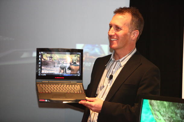 "Alienware M11x, com display de 11,6"". (CNET)"