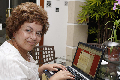 Dilma atualiza Twitter. (Foto de Roberto Stuckert Filho, no Flickr da candidata)