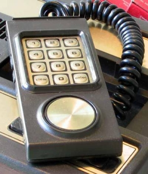IMAGE(http://st2.tecnoblog.net/wp-content/uploads/2010/05/intellivision.jpg)