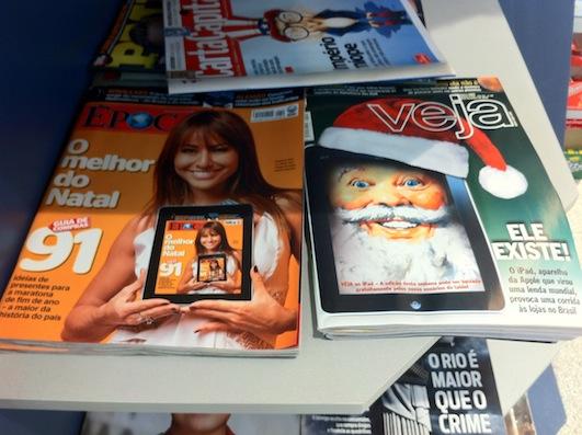 iPad nas duas principais revistas de informação (foto: Bia Kunze)