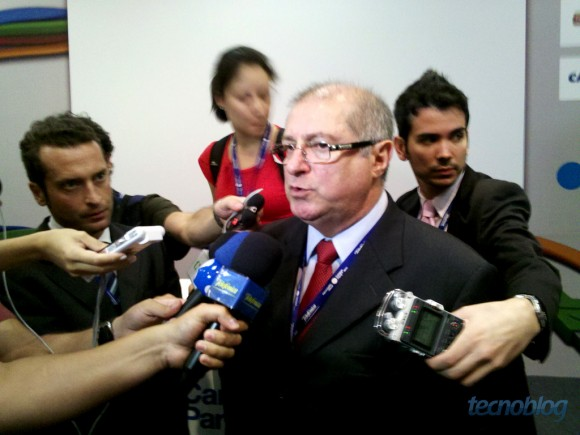 Paulo Bernardo, ministro das Comunicações