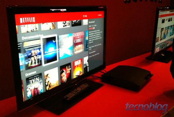 Netflix brasileiro no PlayStation 3 (foto: Rafael Silva / Tecnoblog)