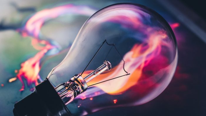 Lâmpada led / o que é li-fi (Imagem: Mohamed Ramzee/Pixabay)