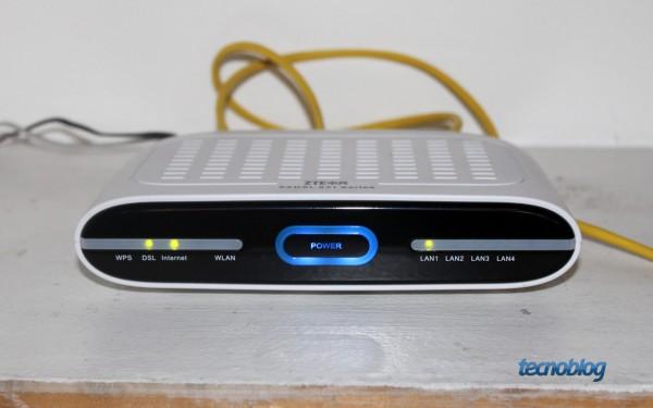 Roteador ZTE utilizado pelo Live TIM (foto: Thássius Veloso / Tecnoblog)