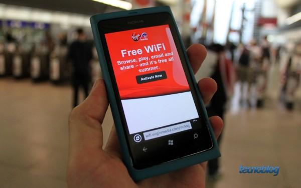 Wi-Fi gratuito em algumas estações de metrô (foto: Thássius Veloso / Tecnoblog)