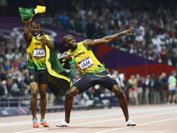 Usain Bolt lançando trovões invisíveis