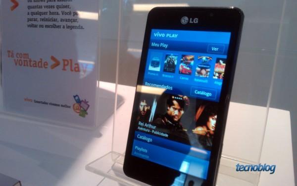 Interface do Vivo Play em smartphone da LG rodando Android - Foto: Thássius Veloso / Tecnoblog