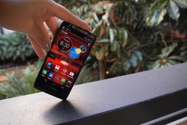 Motorola Razr M: aceitaria de bom grado (imagem: reprodução)