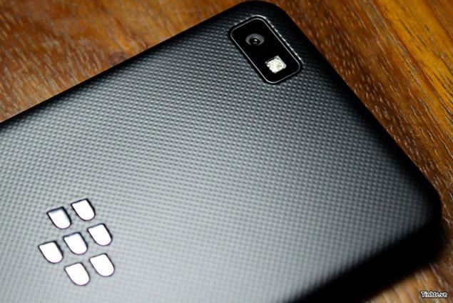 BlackBerry Z10, novo smartphone da RIM, aparece em vídeo –