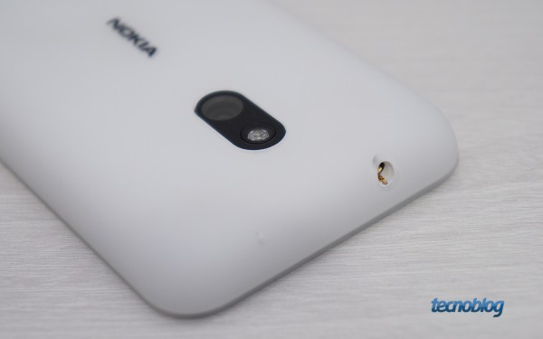 nokia-lumia-620-camera-fone