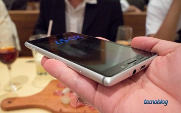 nokia-lumia-925-hands-on-relogio