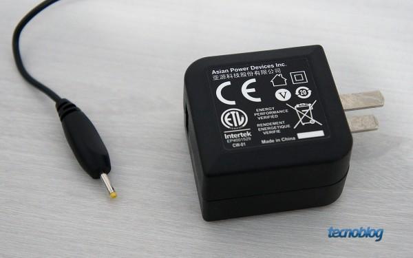 Se a bateria estiver fraca, conecte o HD a uma porta USB ou use o carregador