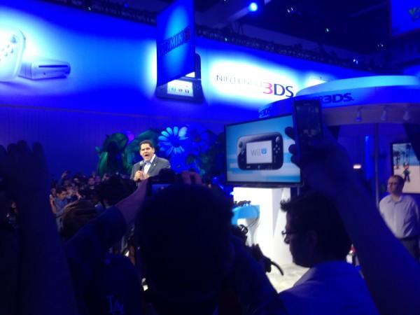 Reggie Fils-Aime, presidente da Nintendo North America, dando início ao evento.