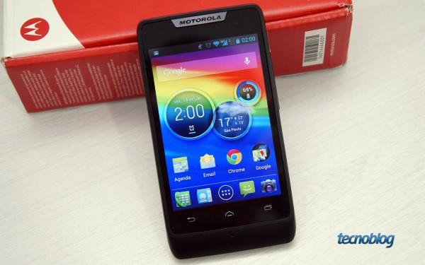 RAZR D1, smartphone de baixo custo da Motorola, receberá atualização para o KitKat