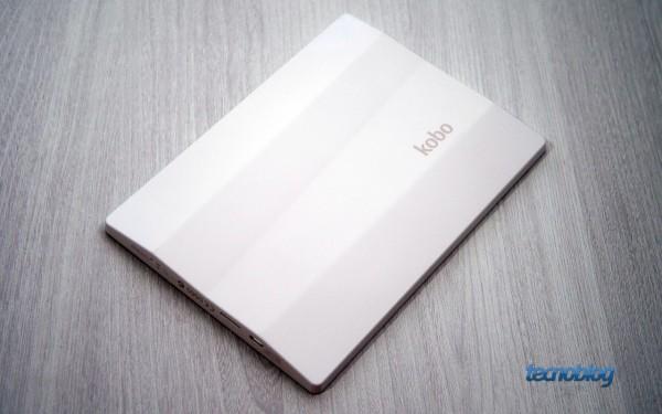 A traseira do Kobo Aura HD é diferente