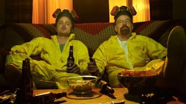 """Walt e Jesse Fazendo maratona no Netflix entre uma """"fornada"""" e outra"""