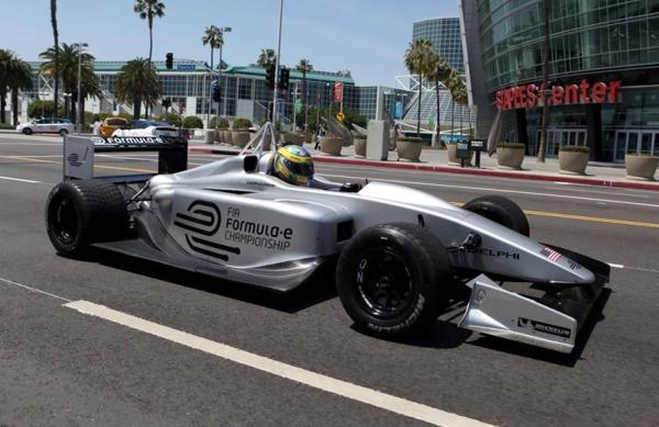 Olha aí um protótipo da Fórmula E