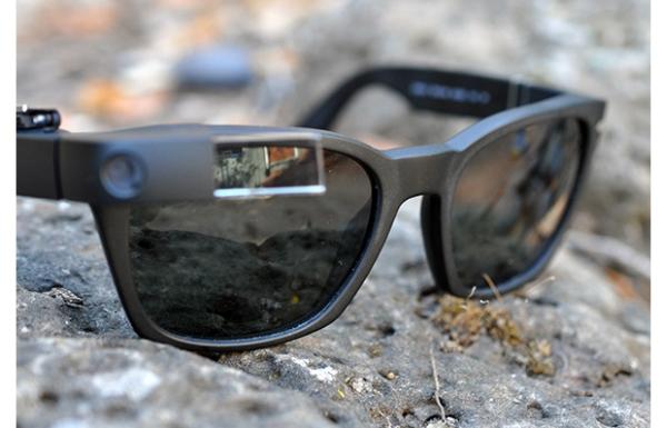 Google Glass com óculos de sol