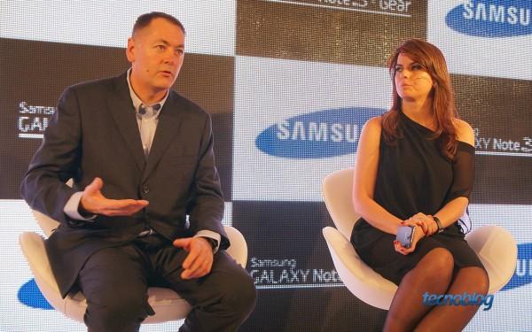Roberto Soboll, diretor de produtos de telecom, e Paula Costa, diretora de marketing de telecom, da Samsung Brasil