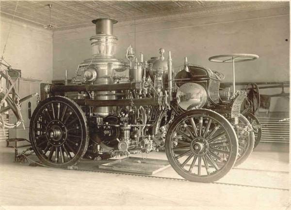 Enquanto o design das Steam Machines não é revelado, fiquem com uma steam machine de verdade