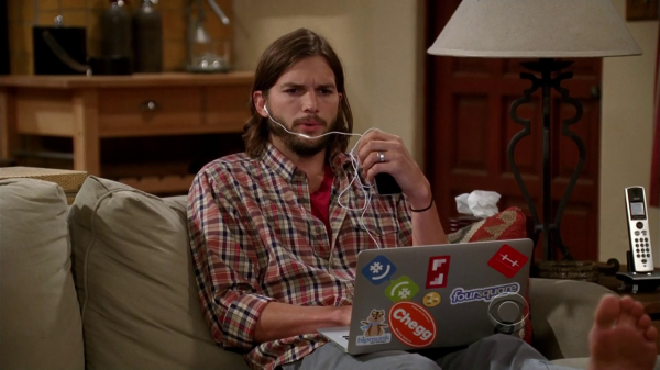 two-and-a-half-men-stickers-on-ashton-kutchers-laptop