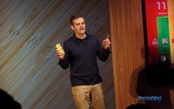 Dennis Woodside, CEO da Motorola Mobility, apresentando o Moto G no Brasil
