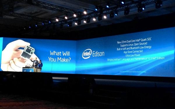 Intel apresenta Edison durante evento pré-CES (foto: divulgação / Intel)