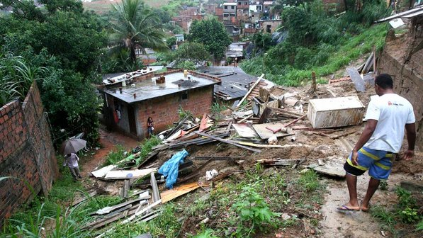 Vítimas de desabamentos no Brasil podem ser encontradas através de seus smartphones
