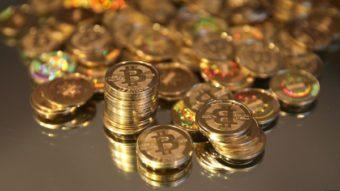 Bitcoin bate recorde histórico ao ultrapassar R$ 200 mil