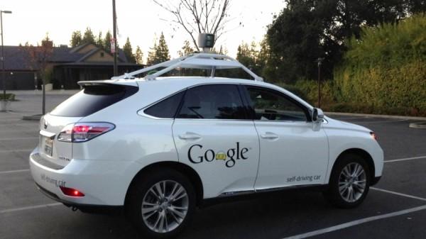 Este é o carro do Google que não gosta de motorista