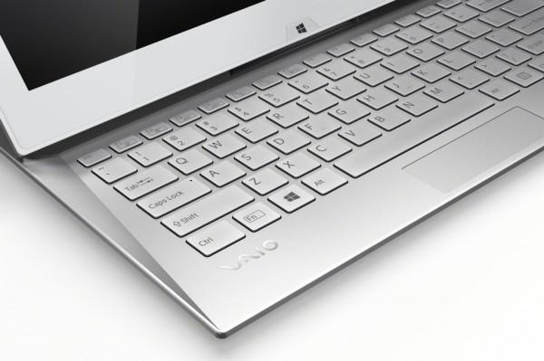 sony-duo-13-teclado