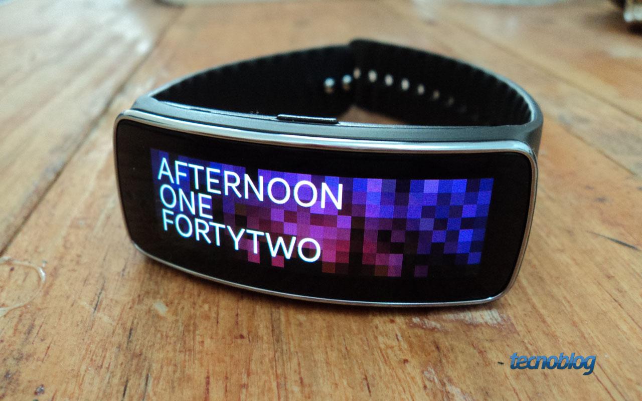 Review Samsung Gear Fit, um smartwatch bonito e versátil [análise/vídeo] - Tecnoblog