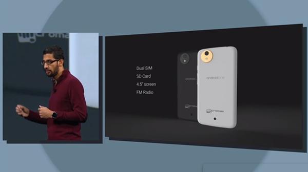 Aparelho com tela grande, dois chips e Android puro custa menos de US$ 100