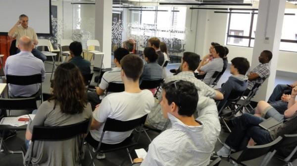 Campus londrino teve 1.100 eventos no ano passado, entre palestras, workshops e sessões de mentoria (Imagem: Divulgação / Google)