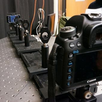 O MIT utilizou uma câmera DSLR e um iPod touch para os testes