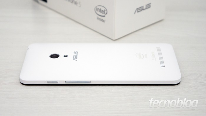 asus-zenfone-5-lateral