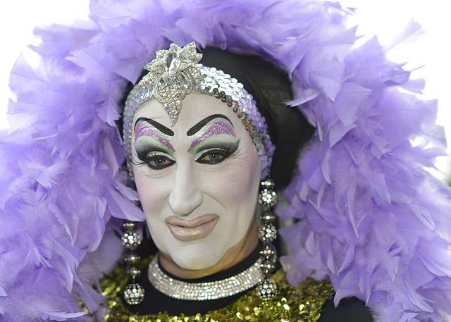 Sister Roma, uma das drag queens afetadas pela política de nomes verdadeiros do Facebook