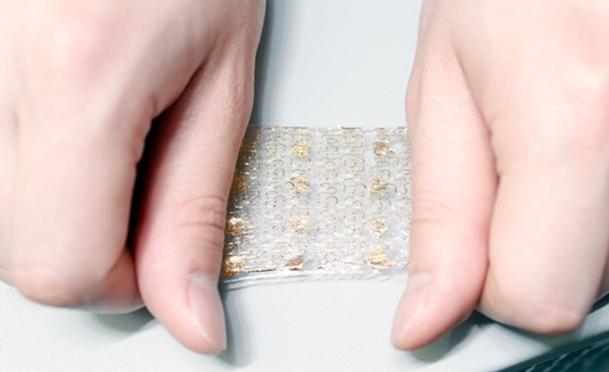 A pele artificial é flexível e repleta de sensores