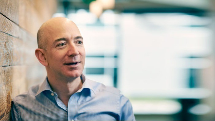 Jeff Bezos: o dono da bola