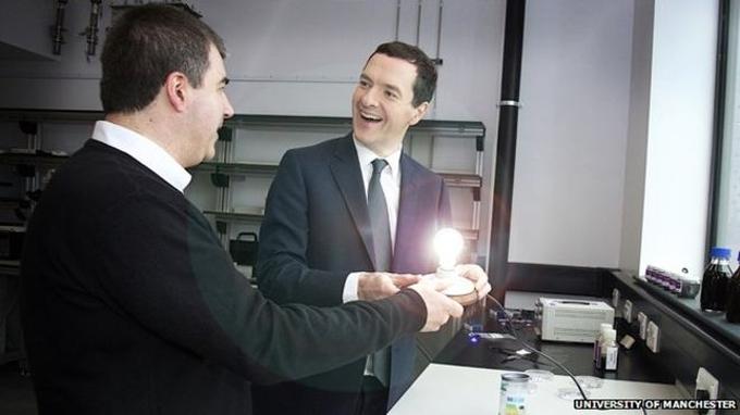 Mais uma promessa do grafeno: lâmpadas que duram mais e gastam menos - Tecnoblog