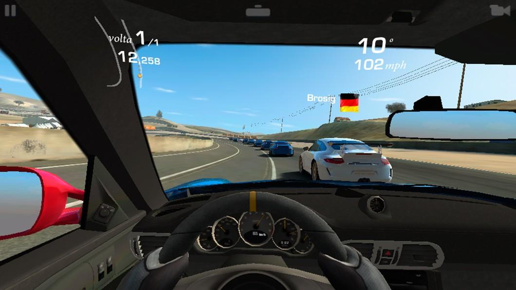 Real Racing 3: sem engasgos, mas com qualidade gráfica reduzida