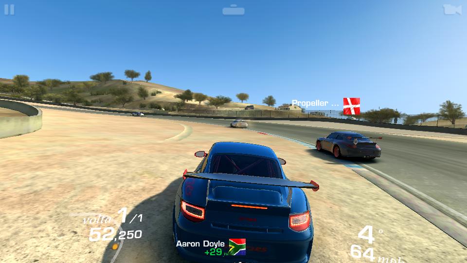 O Real Racing 3 rodou sem travar, mas ficou assimO Real Racing 3 rodou sem travar, mas ficou assim