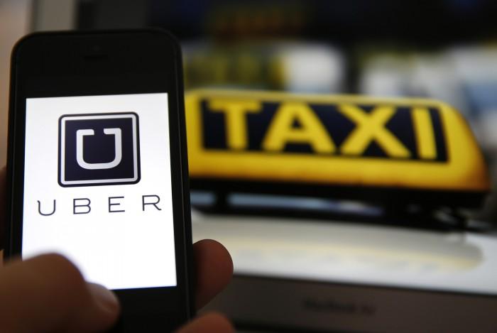 Táxis vs Uber: Uma disputa mundial que está longe de acabar
