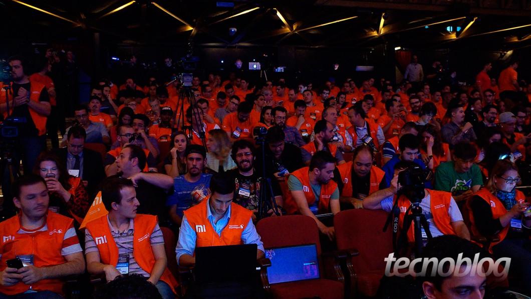 Theatro NET foi tomado por membros da imprensa e fãs da Xiaomi no evento de lançamento do Redmi 2
